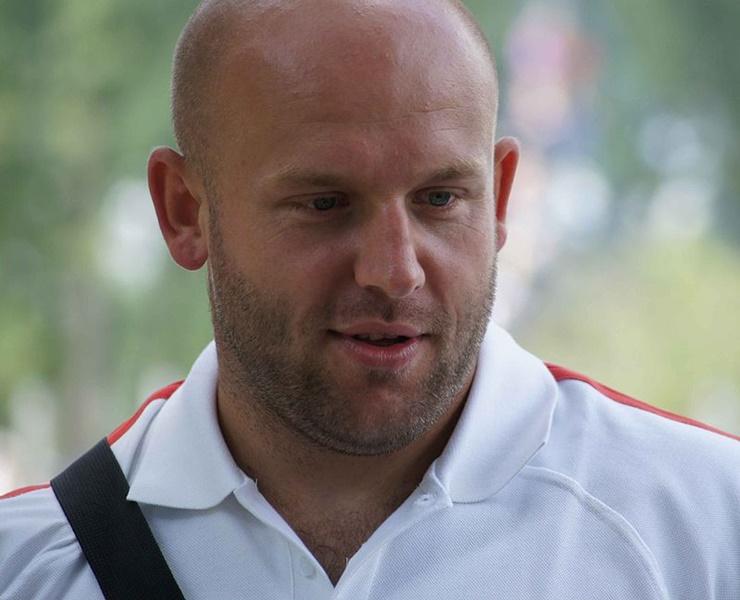 Piotr Malachowski Sells Medal To Aid Boy Olek Szymanski